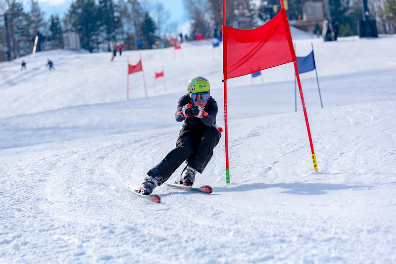 Standard-Race_2-3-18_Snow-Trails-73018.jpg