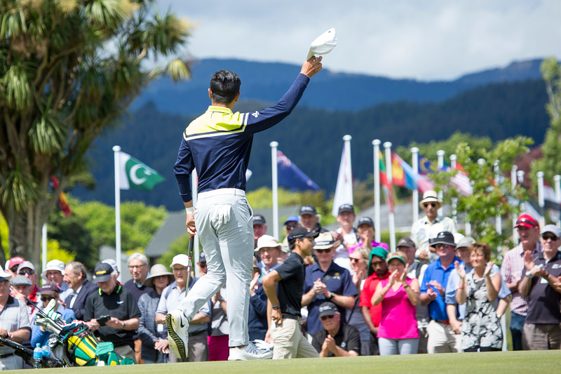 Andy Zhang from China thanks the spectators after completing his round on the final day of the Asia-Pacific Amateur Championship tournament 2017 held at Royal Wellington Golf Club, in Heretaunga, Upper Hutt, New Zealand from 26 - 29 October 2017. Copyright John Mathews 2017.   www.megasportmedia.co.nz