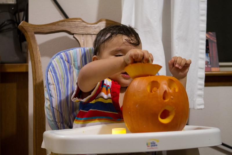 PumpkinCarving-122.jpg