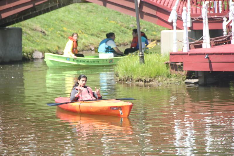 kars4kids_thezone_camp_girlsDivsion_activities_boating (31).JPG
