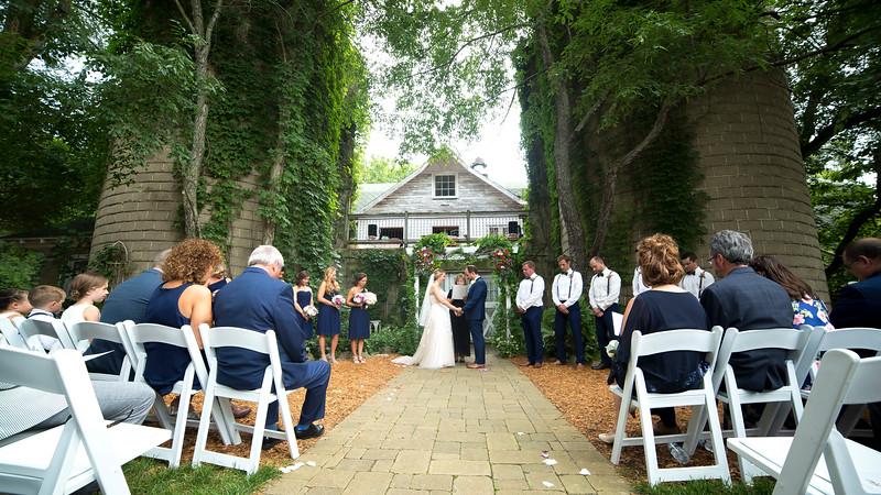 Garrett & Lisa Wedding (315).jpg