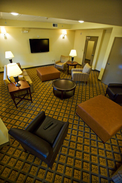 CANDLEWOOD SUITES FORT MYERS Living Room017.jpg
