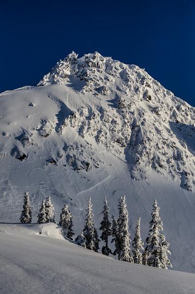 hidden-lake-lookout-peak-snow-trees-winter-pnw-cascades.jpg