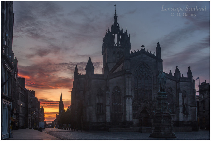 Saint Giles High Kirk and the Tron steeple at sunrise