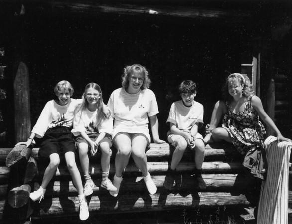 Girls 1988-1990 (1).jpg