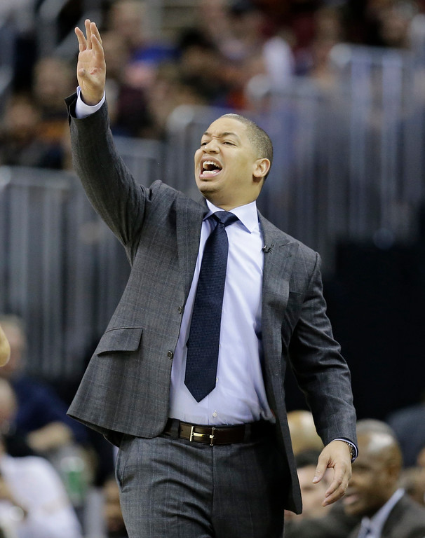 . Cleveland Cavaliers head coach Tyronn Lue yells to players in the first half of an NBA basketball game against the Chicago Bulls, Wednesday, Jan. 4, 2017, in Cleveland. The Bulls won 106-94. (AP Photo/Tony Dejak)