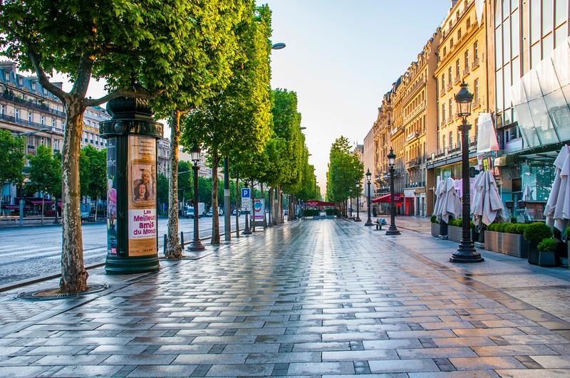 Paris_Champs-Elysees-2.jpg