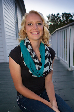 Lindsay Rule Senior Pictures