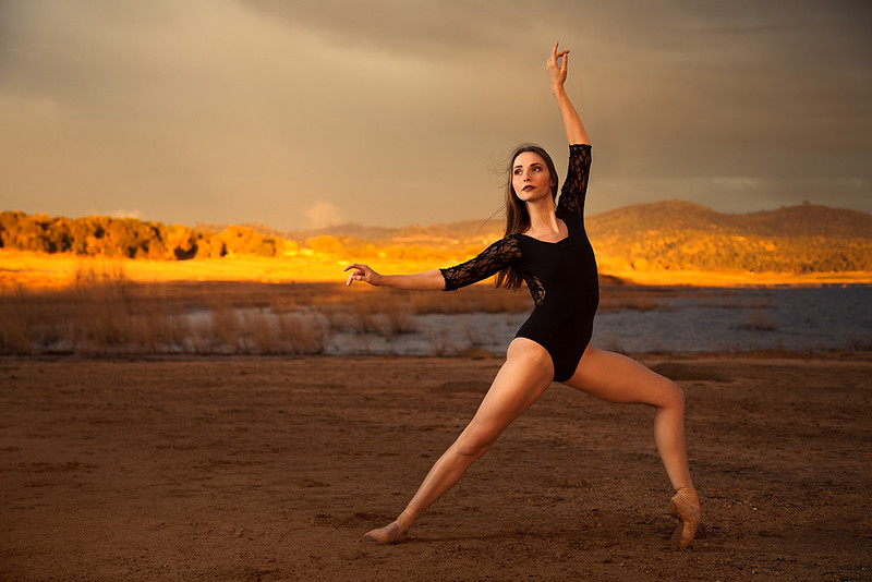 Sunset-Folsom-Lake-ballet-photography-by-Jason-Sinn.jpg