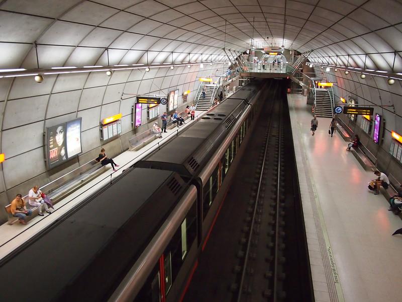 P7225838-metro.JPG