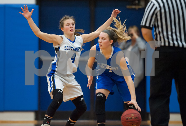 12/18/17 Wesley Bunnell | Staff Southington girls basketball was defeated by Glastonbury Monday evening at Southington High School. Live Pizzitolia (4).