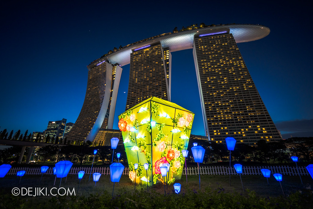 Mid-Autumn at Gardens by the Bay - Giant Lantern Display / Sky Lantern Green