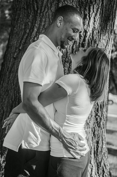 AshleyAndTreyBW (11 of 33).jpg