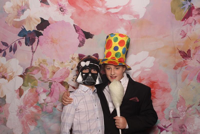 MangoStudios_Photobooth_Catherine and Sean12.jpg