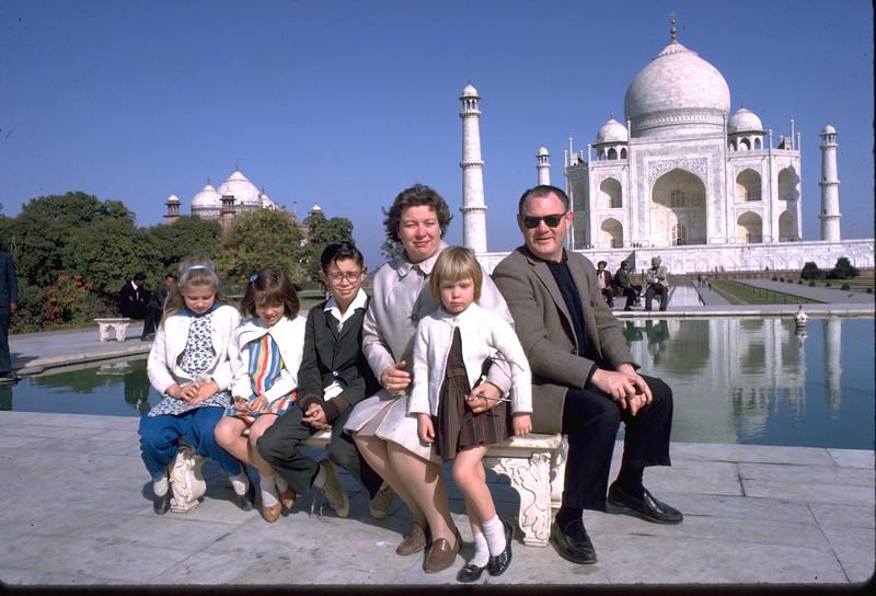 1964-14 Agra Taj Mahal.jpg