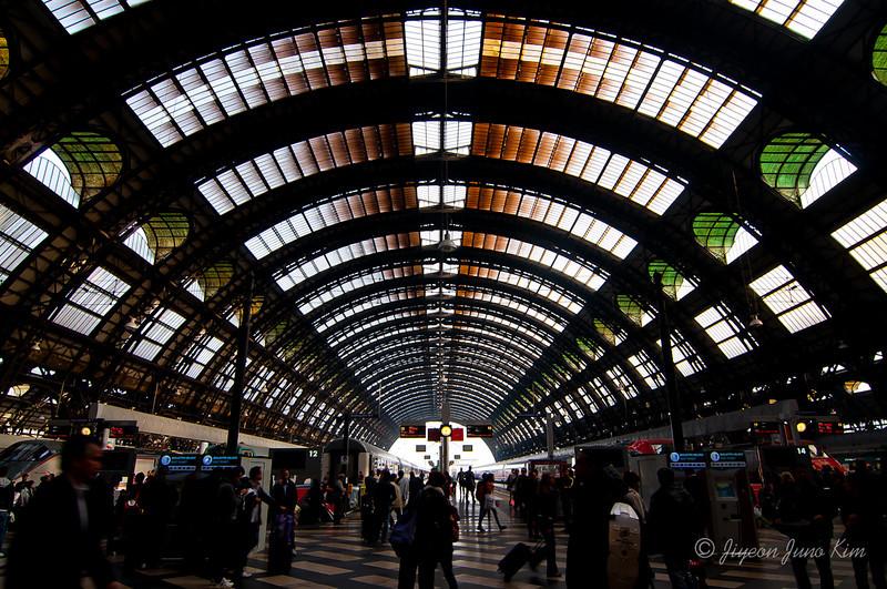 Milan-Train-Station-9168.jpg