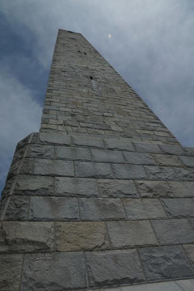 Highpoint monument 2.jpg