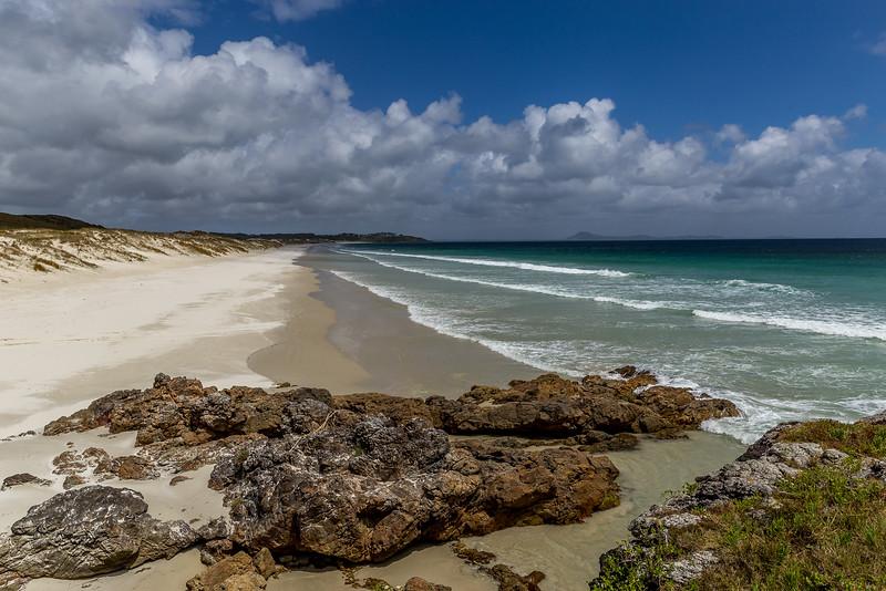 Weisser Sandstrand an der Karikari Moana