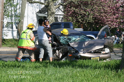 04-27-2009, MVC With Entrapment, Seabrook, Cumberland County, Rt. 77 and Parsonage Rd.