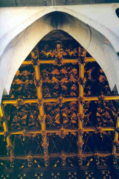 Guell Castle Ceiling.jpg