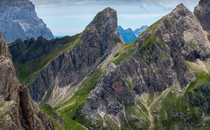 Dolomite ridge.jpg