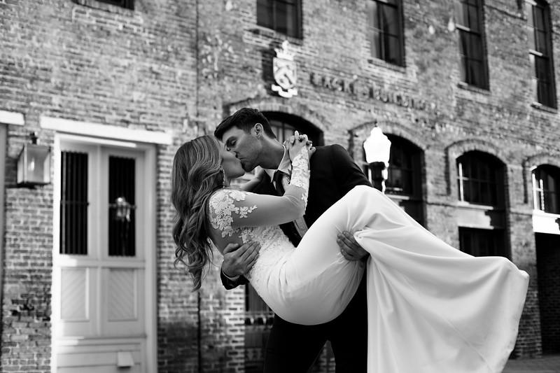 Kate&Josh_B&W_ZACH.WATHEN.PHOTOGRAPHER-415.jpg
