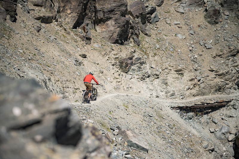 Ross Hewitt riding from Col du Lauson, Gran Paradiso, Italy