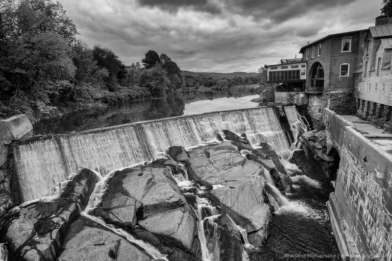 BW Simon Pierce Gallery on the River-2.jpg