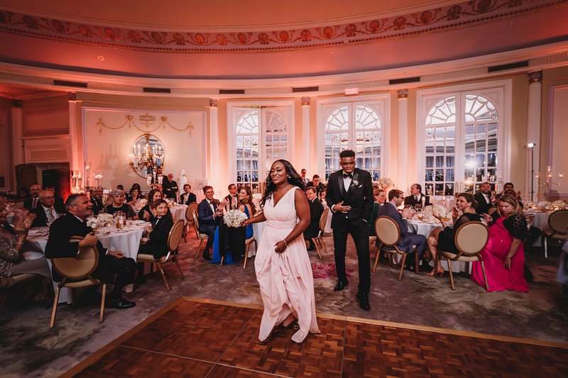 Montreal Wedding Photographer | Wedding Photography + Videography | Ritz Carlton Montreal | Lindsay Muciy Photography Video |2018_751.jpg