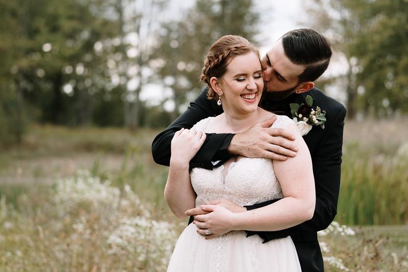 rustic_ohio__fall_barn_wedding-271.jpg
