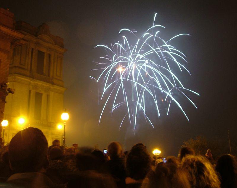 2004_1106allypallyfireworks0005.JPG