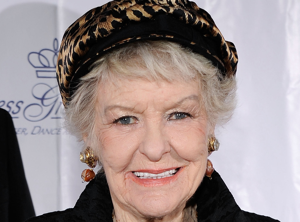 . Actress Elaine Stritch attends the 2009 Princess Grace Awards Gala at Cipriani 42nd Street on October 21, 2009 in New York City. Stritch died Thursday, July 17, 2014 at her home in Birmingham, Mich. She was 89.  http://bit.ly/1qHI8Eb  (Photo by Larry Busacca/Getty Images for The Princess Grace Foundation)