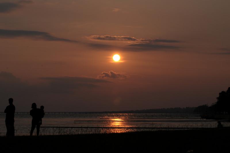 2008_0526_Sunset7_Lakefront.JPG