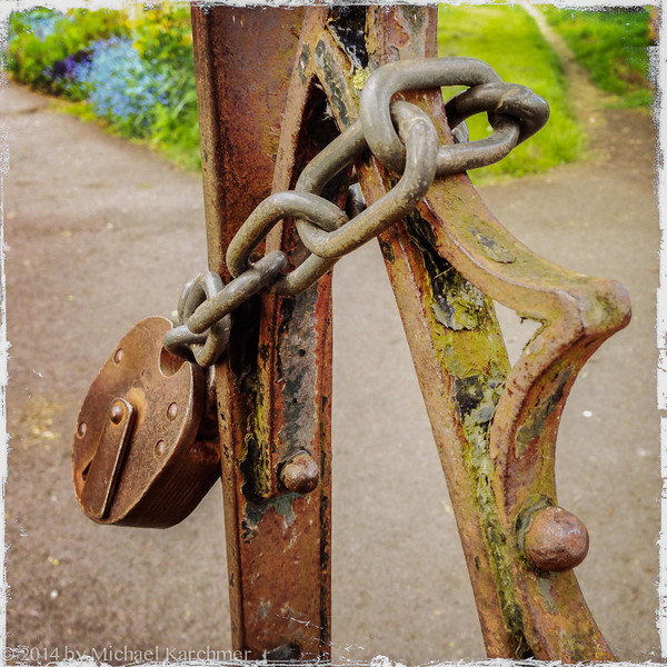 Lock on the Gate, Burford Churchyard (May, 2014)