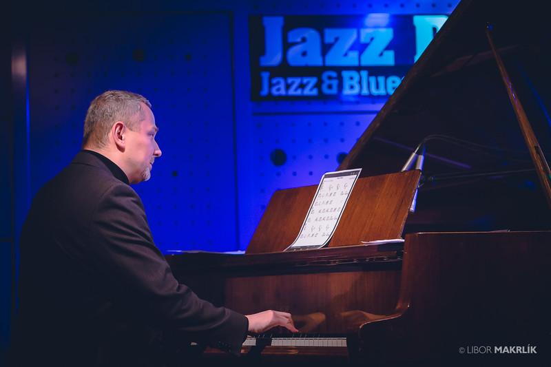 20160301-192629_0014-zuzana-vlcekova-kvartet-jazzdock.jpg