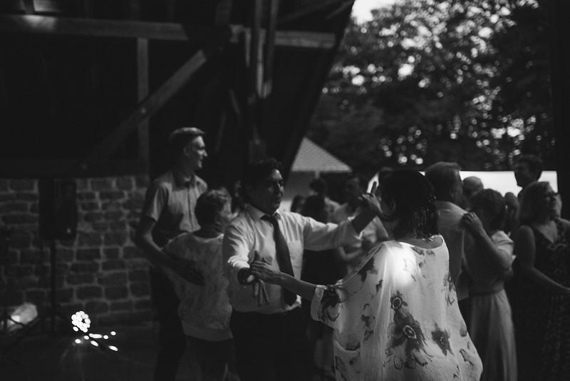 Hochzeitsfotograf-Tu-Nguyen-Destination-Wedding-Photography-Hochzeit-Eulenbis-Christine-Felipe-85.jpg