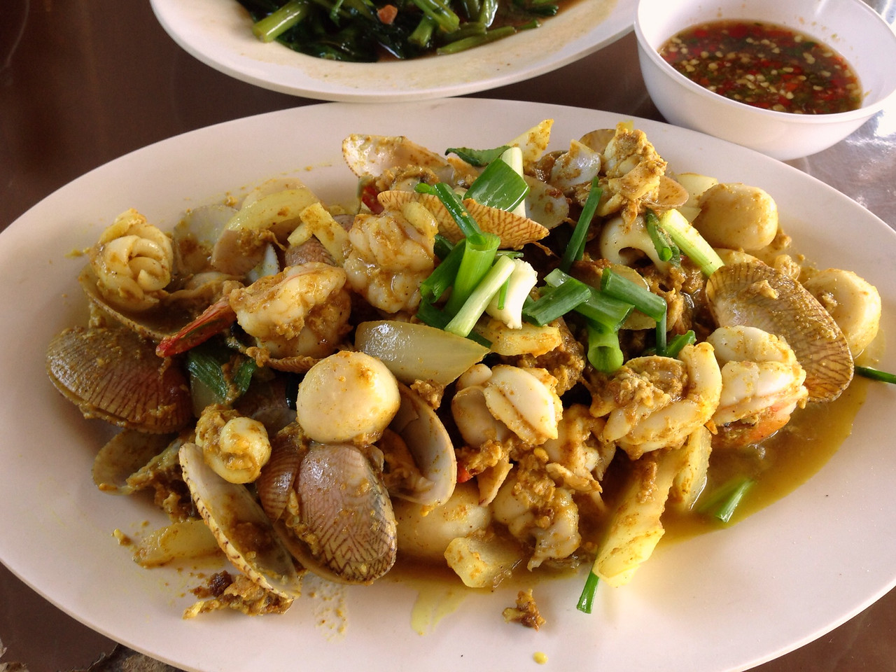 Thai Fried Seafood Curry on Huay Tung Tao
