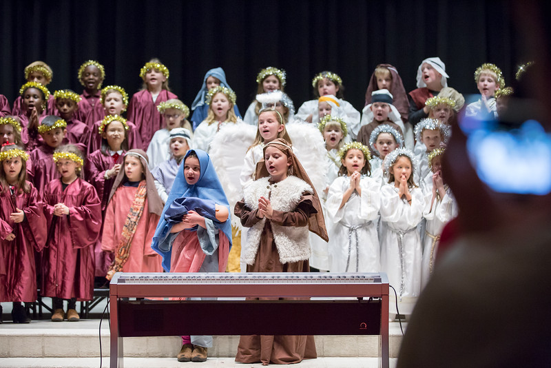 1st grade Christmas program (21 of 49).jpg