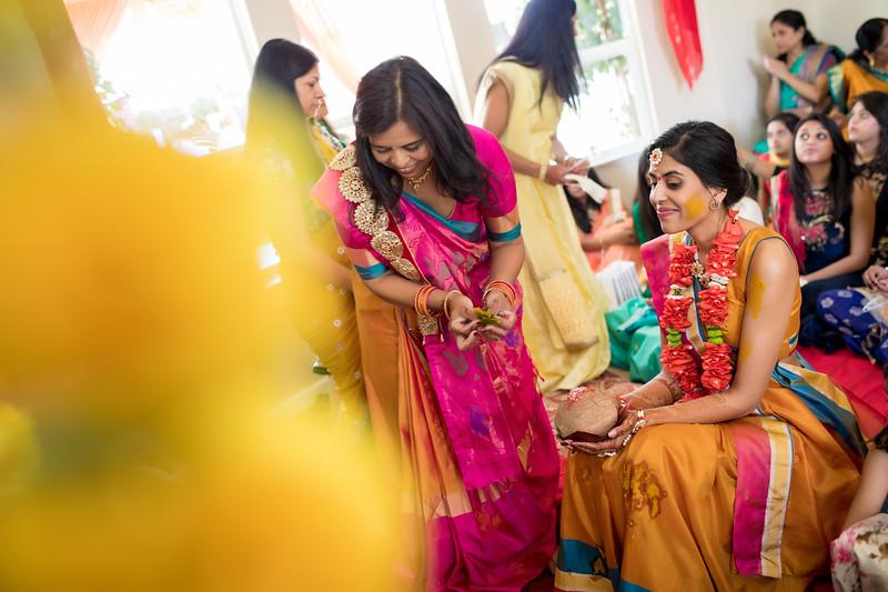 Hina_Pithi_Pooja-216.jpg