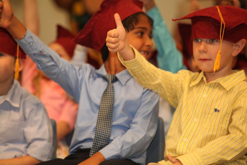 2012May18_MTA Kinder Grad_9669.JPG