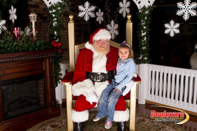 Santa Dec 15-156.jpg
