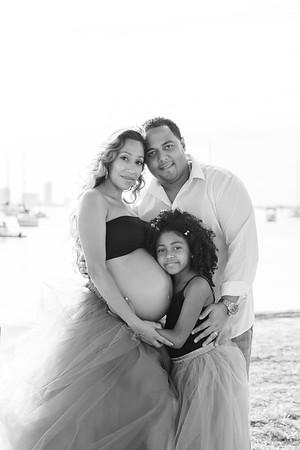Renee & Family (Maternity)