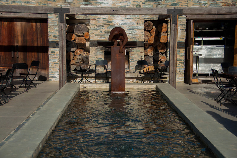 Reflection, Amisfield Vineyard, Queenstown (sculpture by Max Patté)