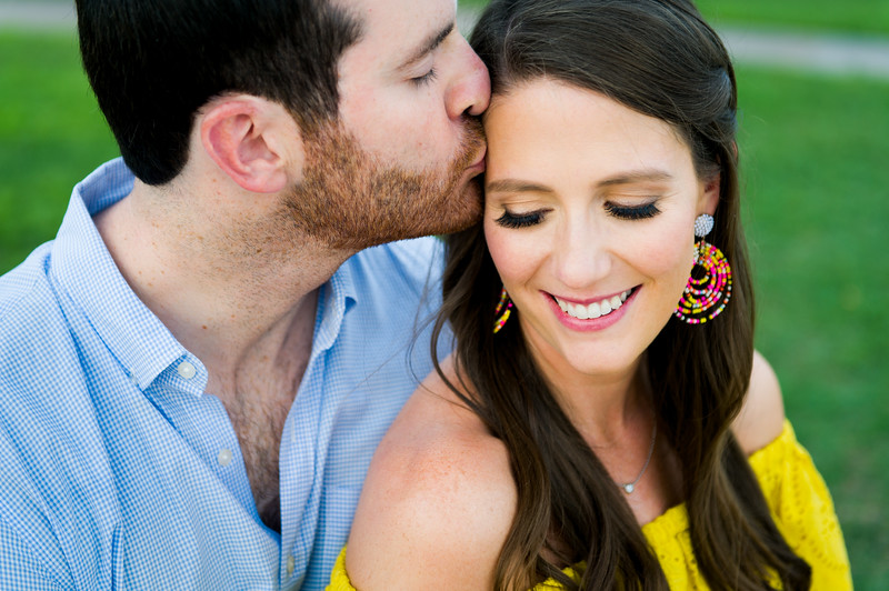 Engagement-Photo-Outfit-Ideas-027.jpg