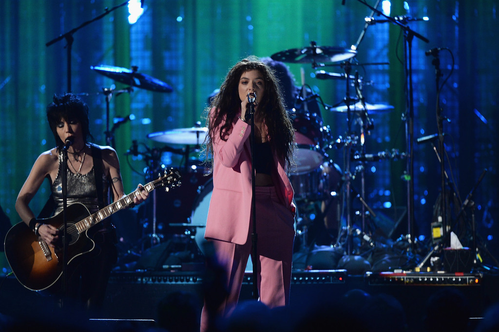 . Joan Jett (L) and Lorde perform onstage at the 29th Annual Rock And Roll Hall Of Fame Induction Ceremony at Barclays Center of Brooklyn on April 10, 2014 in New York City.  (Photo by Larry Busacca/Getty Images)