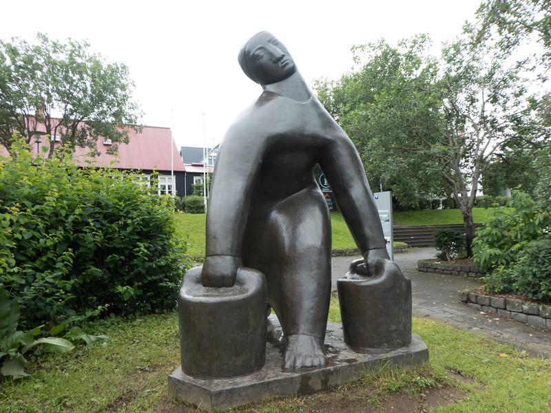 Water Carrier (1937) – Ásmundur Sveinsson. Reykjavik
