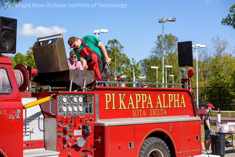 RHIT_Homecoming_2017_FOOTBALL_AND_TENT_CITY-13049.jpg