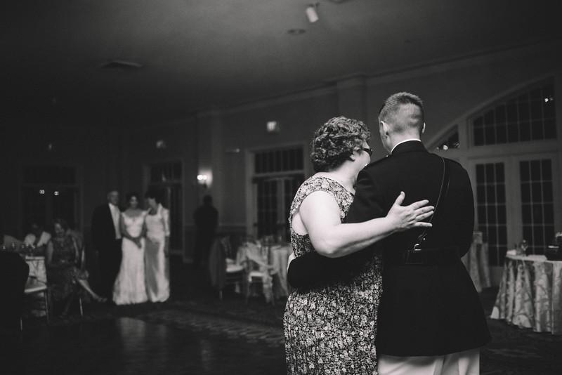 Philadelphia Wedding Photographer - Bernreuther-656.jpg