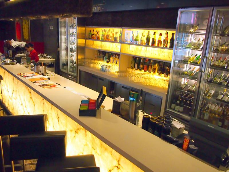 PA144179-lobby-bar.JPG