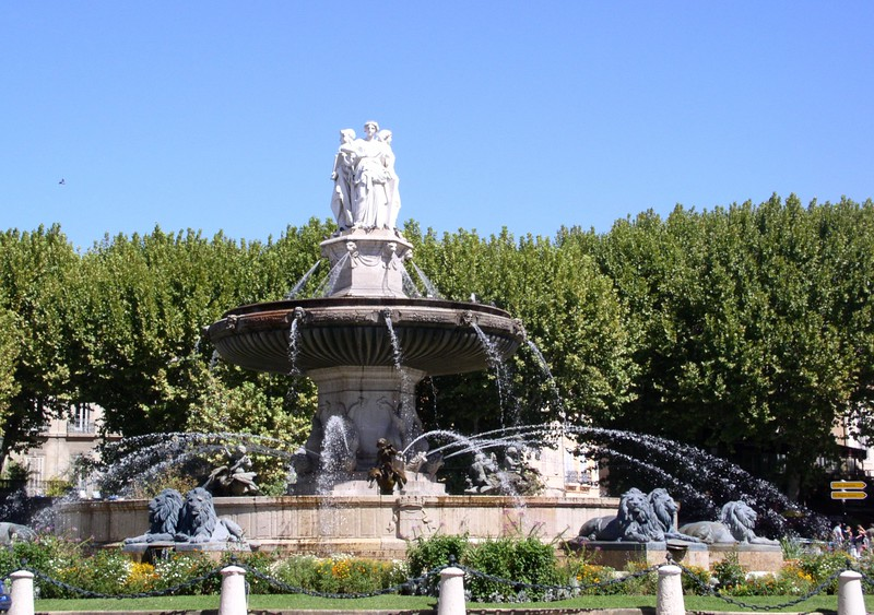Aix large fountain.JPG